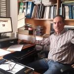 Instantánea de Fernando Fernández en su despacho