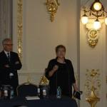 Gema Rebolledo, poeta y presidenta de la Asociación de Escritores de Cantabria, recitó un poema suyo dedicado a Óscar y a su esposa