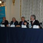 José Regidor, rector de la ULPGC, durante su intervención en la presentación de la novela de Óscar Gutiérrez