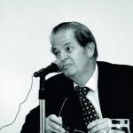 Juan Jiménez - Impartiendo una conferencia sobre el mito de Hamlet